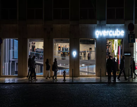 Overcube open the first physical store